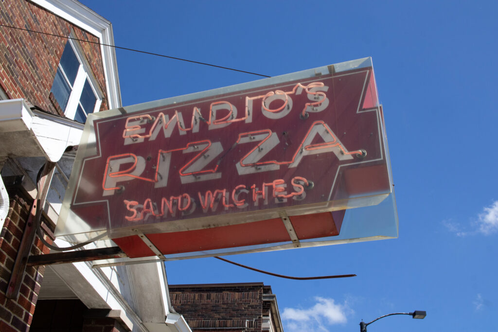 akron pizza sign